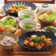 2016/1/8 金 #晩ごはん ・ ✳︎麻婆豆腐 ✳︎春菊とえのきの麺つゆ胡麻和え ✳︎マカロニサラダ ✳︎中華スープ ・ でした ・ コメントお返しお休みします いつもありがとうございます☺️ ・