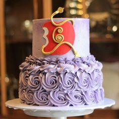 princess first birthday Happy 6th Birthday, 6th Birthday Parties, Birthday Bash, Birthday Ideas, Decendants Cake, Rosalie, Bday Girl, Party Cakes, First Birthdays