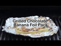A banana version of s'mores with chocolate, marshmallows, and Cinnamon Toast Crunch™ cereal. Slice banana lengthwise, stuff with mini marshmallows and chocolate chips. Wrap in foil and grill med/high for minutes, unwrap and add crushed cereal on top. Foil Pack Meals, Foil Dinners, Campfire Desserts, Campfire Food, Healthy Desserts, Easy Desserts, Dessert Recipes, Best Camping Meals, Camp Meals
