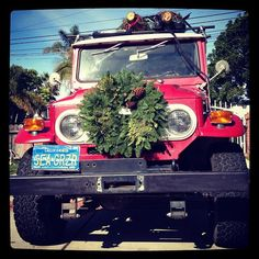 christmas tree delivery by Toyota Landcruiser Holiday Style, Holiday Fashion, Christmas Car, Xmas, Christmas Tree Delivery, Christmas Decorations, Christmas Ornaments, Holiday Decor, Toyota Fj40