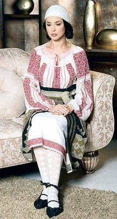 """la blouse roumaine"" - this is real an ART OB FABRIC - all the allover patterns are cross stitched, beautiful - and such blouses looks great to jeans too! Romanian People, Romanian Women, Folk Fashion, Ethnic Fashion, European Fashion, Ukraine, Ethnic Dress, Folk Costume, Historical Costume"