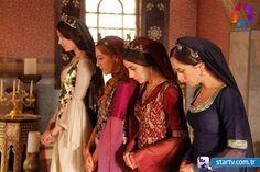 Muhteşem Yüzyıl - Szukaj w Google Bridesmaid Dresses, Prom Dresses, Formal Dresses, Wedding Dresses, Meryem Uzerli, Turkish Fashion, 16th Century, Lgbt, Sari