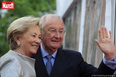 """La Reine Paola, 77 ans, mère de Philippe, roi des Belges, a été contrainte à une """"période de repos total"""" à la suite d'un examen médical, a annoncé mercredi le Palais Royal. Une annonce qui suscite des questions sur l'état de santé de l'ancienne souveraine."""