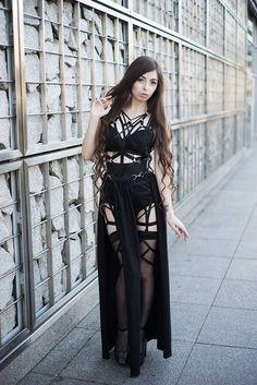 Model: Lady Sariel Dress: Askasu Photo: Sylwia Bajera Fotografia Welcome to Gothic and Amazing |www.gothicandamazing.com