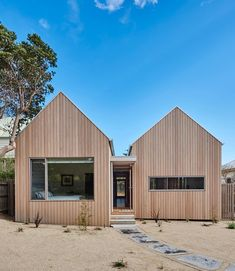 Gallery of Point Lonsdale Residence by Architecture & Design. 💭 'The dynamic gable forms are inspired by the local context of… Gable House, House Roof, Facade House, Gable Roof, Australian Architecture, Roof Architecture, Roof Design, Exterior Design, House Cladding