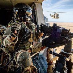 La parole est aux abonnés  Concernant votre compte #Insta armee2terre des remarques des idées ou même un simple mot ? On vous écoute. À vous  armée de Terre  #armeedeterre #defense #defence #soldat #soldier #military #helicopter #gunners #helmet #puma #aero