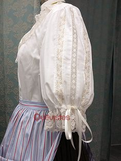 Quevistes Taller de costura: Mi Tienda Baturra Hobbit Costume, Folk Costume, Doll Clothes Patterns, Clothing Patterns, Plus Sise, Couture Outfits, Heirloom Sewing, Blouses For Women, Women Wear