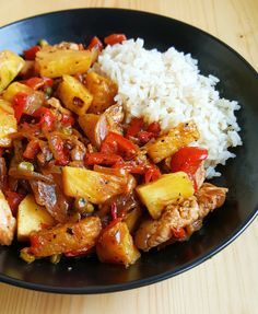 Pineapple chicken with vegetables - Fitness Doctors! Thai Recipes, Cooking Recipes, Healthy Recipes, Pineapple Chicken, Salmon Dishes, How To Grow Taller, Kung Pao Chicken, Food And Drink, Menu