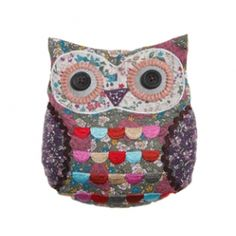 Delightfulvintage owl designed door stop. A gorgeous owldesign in vintage floral material with cute button eyes by Sass and Belle. The perfect prop to hold open your doors! Co-ordinating items available in this range include owl cushions. Please note this owl door stop comes UNFILLED!