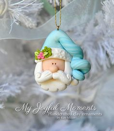 Handcrafted Polymer Clay Santa Claus Christmas by MyJoyfulMoments Mais Polymer Clay Ornaments, Polymer Clay Figures, Fimo Clay, Polymer Clay Charms, Polymer Clay Projects, Polymer Clay Creations, Polymer Clay Art, Clay Crafts, Polymer Clay Christmas
