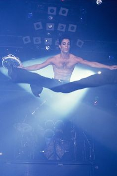Prince broke all the rules about what black American men should be The musical genius captivated both men and women with his high heels, tight butt and playful sexuality – and he refused to be anyone's slave Prince Images, Photos Of Prince, The Artist Prince, Prince Purple Rain, Paisley Park, Roger Nelson, Prince Rogers Nelson, Purple Reign, Hollywood