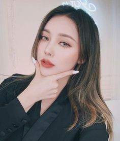 pony park hye min make up 👧❤😻 Korean Makeup Look, Asian Makeup, Korean Beauty, Asian Beauty, Pony Makeup, Glam Makeup, Beauty Makeup, Eye Makeup, Korean Make Up