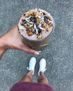 """1,218 Likes, 32 Comments - Rachael DeVaux, RD (@rachaelsgoodeats) on Instagram: """"Epic Mint Chocolate Coconut Smoothie after the gym 😏🍫 Even Bridger wanted me to make him one after…"""""""