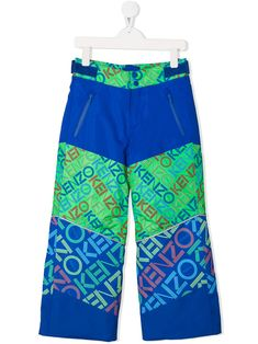 Cobalt-blue and green logo print active trousers from Kenzo Kids featuring contrasting panels, an all over logo print, a mid rise, a straight leg, two front pockets and velcro fastenings. World Of Fashion, Kids Fashion, Fashion Design, Kenzo Kids, Green Logo, Kids Logo, Luxury Branding, Royal Blue, Kids Outfits