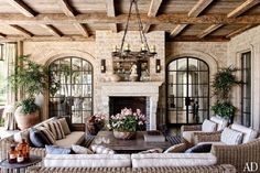 Loggia : Gisele Bündchen and Tom Brady's House in Los Angeles : Architectural Digest. Sofas & chairs from Restoration Hardware. Country Style Homes, French Country Style, French Country Decorating, Country Chic, Architectural Digest, Architectural Elements, Clarence House, Tom Bradys House, French Country Living Room