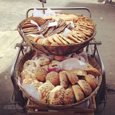 A pan dulce cart in the Centro Histórico, Mexico City. |  | Why I'm in love with Mexican pan dulce By Lesley Tellez | themijachronicles.com blog
