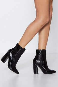 Croc n roll. This boot comes in patent faux leather and features a croc effect, pointed toe, block heel, and inside zip closure. Club Outfits Shorts, Summer Club Outfits, Pants Outfit, Ankle Shoes, Black Ankle Boots, Heeled Boots, High Boots, Womens Leather Ankle Boots, Hot Heels