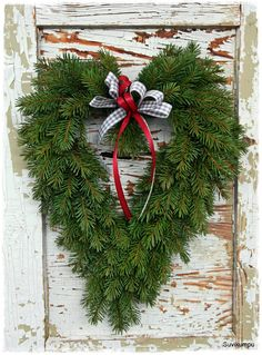 love the shape literally love the shape literally Christmas Swags, Xmas Wreaths, Christmas Flowers, Outdoor Christmas, Christmas Decorations To Make, Holiday Decor, Christmas Feeling, All Things Christmas, Christmas Holidays