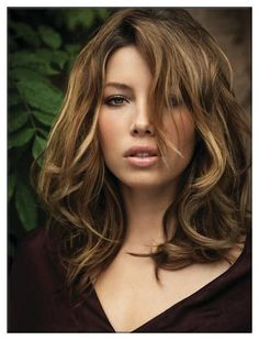 Jessica Biel - Love her hair color and haircut Hair Styles 2014, Medium Hair Styles, Short Hair Styles, Hair Medium, Medium Curly, Long Curly, Medium Long, Medium Brown, Jessica Biel