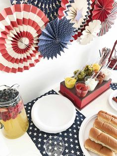 of July Hot Dog Bar, built for an All-American Patriotic Party. Fourth Of July Cakes, Fourth Of July Food, 4th Of July Party, Patriotic Party, July 4th, Paper Napkin Folding, Paper Napkins, Sangria Party, Food Set Up