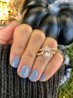 Vintage oval shaped diamond engagement ring with matching wedding band from Diamonds Direct #vintage #oval #diamond #engagementring #matching #weddingband #ring #ringinspo
