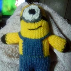 How to Knit a Minion : 6 Steps (with Pictures) - Instructables Minion Toy, Minions, Crochet Hooks, Knit Crochet, Minion Pattern, Animal Knitting Patterns, Baby Shawl, Purl Stitch, Knitted Animals