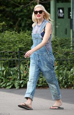 Gwen Stefani enjoys the British summer time in the park with family wearing Boob Fast Food nursing bra