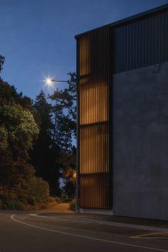 Vulcan Timber Screening in Teak Finish Facade Design, Architecture Design, Nelson New Zealand, Timber Screens, Luxury Apartments, Skyscraper, Mid-century Modern, Multi Story Building, Mid Century