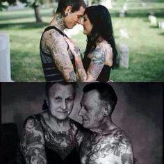 Casal tatuado