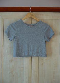 Kup mój przedmiot na #vintedpl http://www.vinted.pl/damska-odziez/bluzki-z-krotkimi-rekawami/14007332-szary-crop-top-rozmiar-m