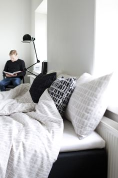 Finlayson Coronna decorative pillowcase I Coronna-koristetyyny Fluffy Bedding, Coron, Small Things, Sleep, Bedroom, Modern, Home, Trendy Tree, Ad Home