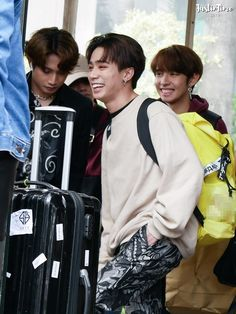 Korean Entertainment Companies, Boy Groups, Entertaining, Album, Boys, Fictional Characters, Baby Boys, Children, Senior Guys