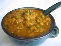 DescriptionCauliflower and Green peas cooked in rich coconut tomato gravy.Ingredients-11 cupCauliflower (cut into florets )¼ cupGreen peas1 noOnion (finely chopped)1 noGreen chilli¼ tspCumin seeds¼ tspFennel seeds1 noCinnamon stick2 nosCloves½ tspRed chilli ...