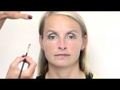 How to video: Simpele make up voor overhangende oogleden - YouTube