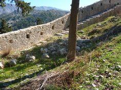 Столац. Видошская крепость. Крепостная стена. Елена Арсениевич, CC BY-SA 3.0