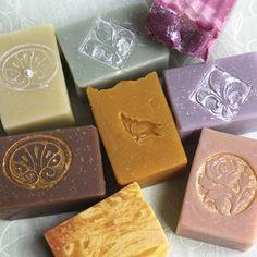 Beauty und Entspannung: Seifen, Lavendel, Rose / lovely soaps, gift idea, roses and lavender by Meine kleine Manufaktur via DaWanda.com