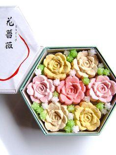 Rose Rakugan    Wagashi shop Fukujudo-Hidenobu in department store Daimaru-Shinsaibashi, Osaka, Japan