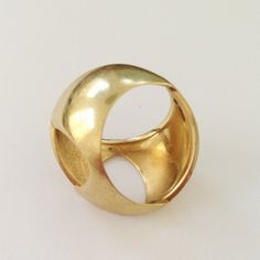 one off 18 ct gold ring