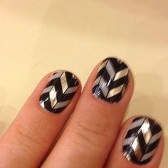 Chevron Silver & Black Nails #NailArt