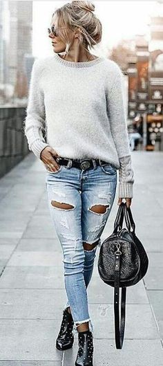 fall  outfits women s white sweatshirt and distress blue skinny jeans  Modische Kleidung, Zerrissene 89adc19613