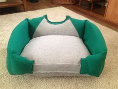 Dog bed Pet bed Cat bed Unique Pet Bed by BoutiqueNBeyond on I bet I could figure out how to make this. Puppy Beds, Pet Beds, Lit Chat Diy, Diy Cat Bed, Diy Dog, Animal Projects, Old T Shirts, Diy Stuffed Animals, Dog Accessories