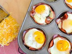 These 21 Day Fix Cheesy Spinach, Ham and Egg Cups are a deliciously decadent Make-ahead breakfast! Perfect for guests, no one will know they're healthy! 21 Day Fix Breakfast, Clean Eating Breakfast, Best Brunch Recipes, Breakfast Recipes, Breakfast Ideas, Breakfast Cups, Healthy Meal Prep, Healthy Recipes, Healthy Food