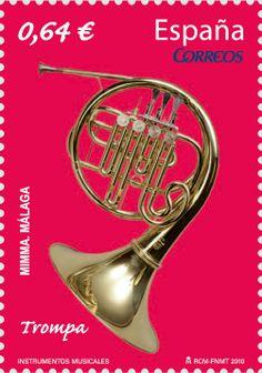 Esta pieza que reproduce el sello, procedente de una cesión y también del siglo XX, está incluida dentro de las colecciones de instrumentos musicales del Museo Interactivo de la Música de Málaga (MIMMA).