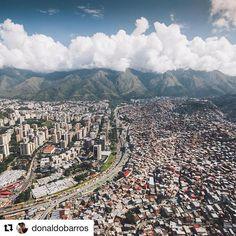 Uno entiende mejor las cosas insólitas que pasan en #Venezuela cuando contemplas esta foto tomada por @donaldobarros !! 💛💙❤️ . • • Nunca abra un paisaje más hermoso que el Ávila ! . • • #LisbethHerrera #Realtor #RealEstateAgent #RealtorLife #RealEstate #Salesperson #BienesRaices #Hipoteca #Mortgage #Buy #Compra #Sell #Venta #Rent #Renta #Alquiler #Toronto #Mimico #Mississauga #Oakville #Milton #Burlington #GTA #Ontario #VenezolanosEnToronto #Avila #Caracas #enguayabao #localrealtors…