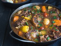 Instant Pot Oxtail Recipe, Oxtail Stew, Oxtail Recipes, Beef Pot Roast, Beef Curry, Pressure Cooking, Food Plating, Soups And Stews, Chicken Recipes