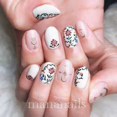 inspired by INDIA The design I did at LIVE the other day LIVE does a lot of talks not related to nails, so I do it with my account . Get Nails, Fancy Nails, Bling Nails, Pretty Nails, Hair And Nails, Gorgeous Nails, How To Do Nails, Long Nail Designs, Cute Nail Designs