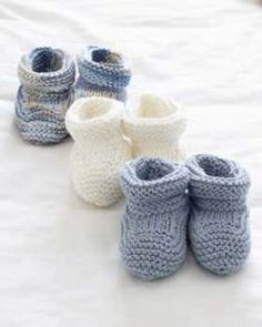 Knit Baby Booties Pattern When it comes to basic knitting, it doesn't get much better than these adorable baby booties.When it comes to basic knitting, it doesn't get much better than these adorable baby booties. Knitting For Kids, Easy Knitting, Knitting Projects, Knitting Supplies, Beginner Knitting, Knitting Yarn, Knitting Ideas, Knitting Needles, Baby Booties Knitting Pattern