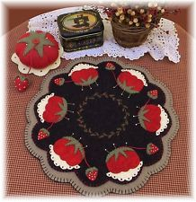 PATTERN!~*Candle Mat & Pincushion*~ Penny Rug~Retro *PATTERN!*