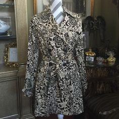 Long sleeve print Jacket Long sleeve print jacket by Vertigo. Brown and beige size XL Vertigo Paris Jackets & Coats