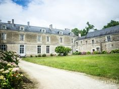 Château du Coing - Vignoble Nantes Escapade Gourmande, Saumur, Boutique Deco, Mansions, House Styles, Blog, Nantes, Atlantic Ocean, Vineyard